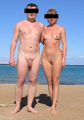 Des nudistes et du sexe à la plage